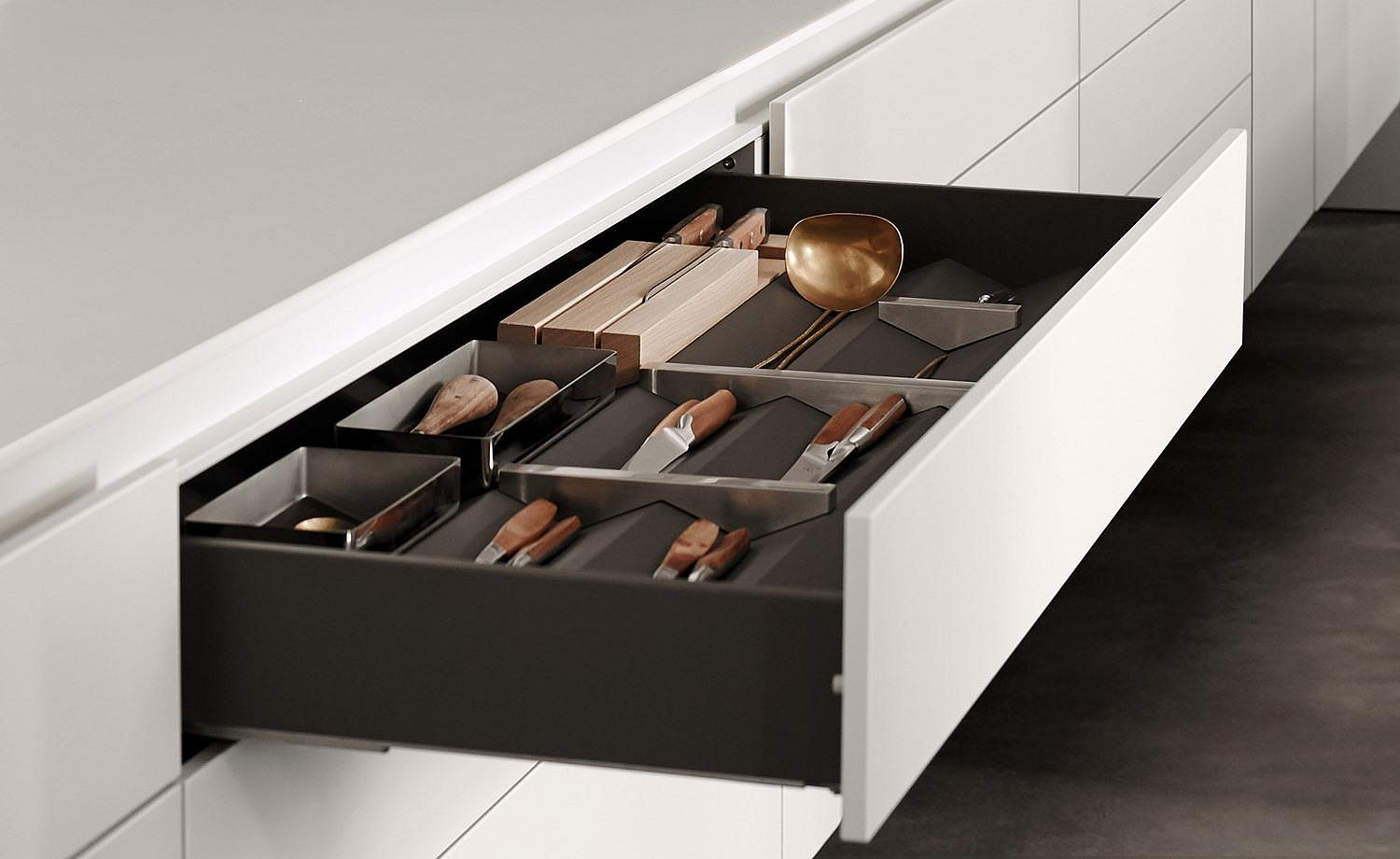 Drawer with organizing elements. Link: Equipment and functional elements for an organization system customized for you