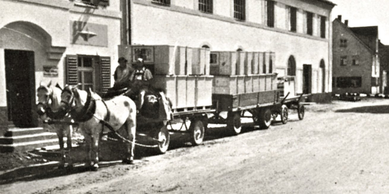 Delivery of bulthaup products on a horse-drawn carriage