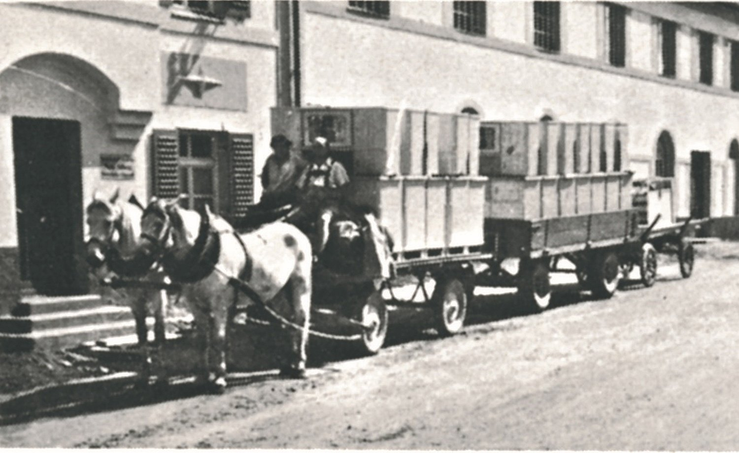 1951: Horse-drawn carriage delivers packaged kitchen sideboards in crates