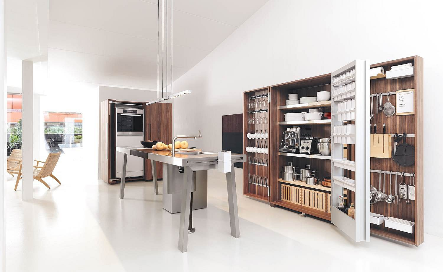 2010: Introduction of b2: the kitchen workshop comprising workbench, tool cabinet, and equipment cabinet elements