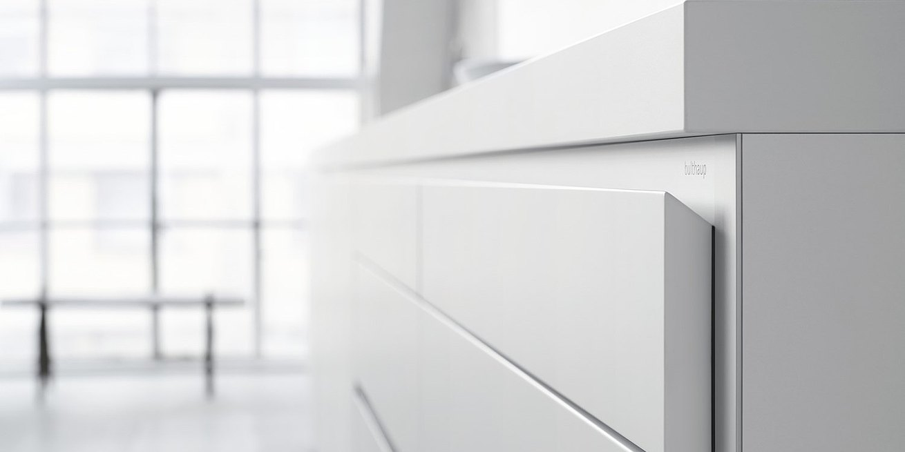 As handles, the edges of the drawer panels angle down, epitomizing the core principle of bulthaup that form follows function