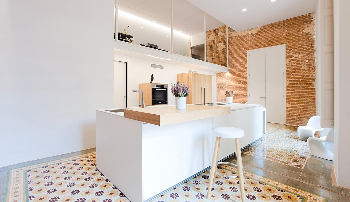 The bulthaup kitchen brings rationality and warmth to the common space of the home