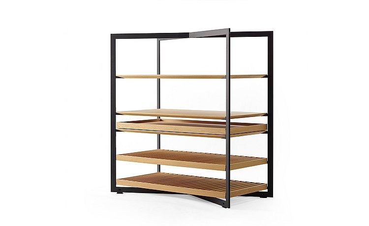 b Solitaire shelf unit showing shelf and tray options: three quarter view