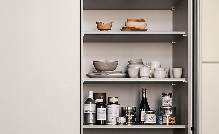 The cabinet as storage space. Link: Shape and space for ideal storage and preparation of dishes