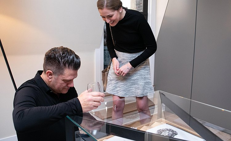 Guests enjoying the collection in the bulthaup b Solitaire