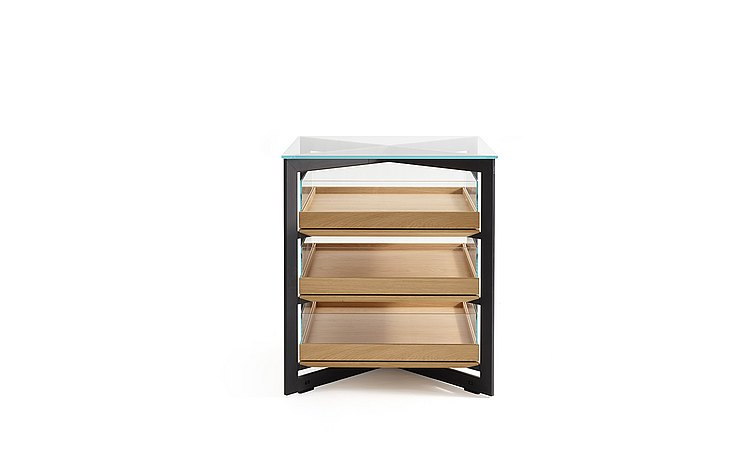 b Solitaire glass with three wood pull-out trays with glass sides: frontal view